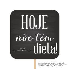 Plaquinhas divertidas para casamento, lousas casamento, plaquinhas casamento, plaquinhas lousa casamento, quadro-negro casamento, placas divertidas casamento. COMPRE PELA LOJA >> www.loja.embrevecasadinhos.com.br Lettering Tutorial, Its My Bday, Pizza Party, New Years Eve Party, Marry Me, Open House, Chalkboard, Rustic Wedding, Diy And Crafts