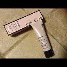 Matte-wear beige 8 Timewise matte-wear liquid foundation beige 8 Mary Kay Makeup Foundation