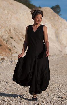 Linen black dress /AMALTHEE CREATIONS +++++++++++++++
