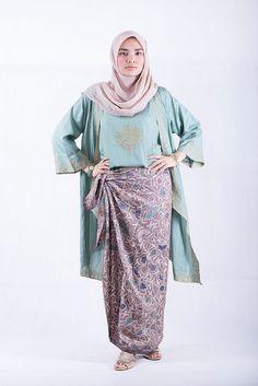 how to wear sarung/ kain batik ala ria miranda