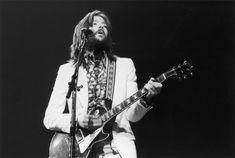A collection of blues guitar tablature to help improve your guitar skills while learning to play a bunch of new songs. clapton 9 Great Tabs for Learning the Blues Guitar Riffs, Guitar Songs, Guitar Tabs, Guitar Chords, Acoustic Guitar, Guitar Scales, Guitar Room, Ukulele, Eric Clapton Songs