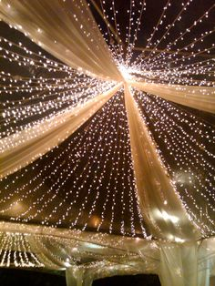 Tent tulle and lights, outdoor wedding decor … - Home Page Trendy Wedding, Dream Wedding, Wedding Day, Wedding Hacks, Wedding Rustic, Decor Wedding, Wedding Favors, Prom Decor, Wedding Themes