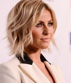 shag wavy bob haircut: Shag bob haircut is super flattering for fine hair. Thanks to the disconnected ends showing off their rebellious spirit, this cute wavy blonde hairstyle is not overly sweet but very stylish and on-trend. The play of highlights and downlights is flawless.