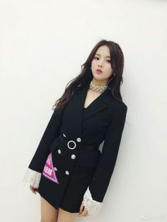 Yang Chao Yue [ROCKET GIRLS] Produce 101, Aesthetic Boy, Asian Girl, Cute Outfits, Actresses, Blazer, Concert Clothes, Coat, Pretty