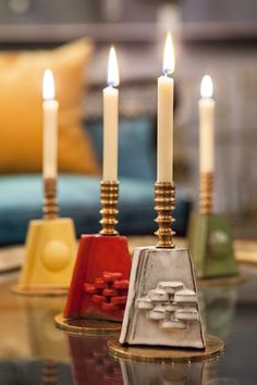 Just arrived and already adding so much coziness to our New York showroom are 9 limited edition ceramic candlesticks by Remains founder @davidcalligeros     #remainslighting #candlestickcollection #ceramic #brass #limitededition #tabletopdecor #manteldecor #handcrafted #candlestickholder