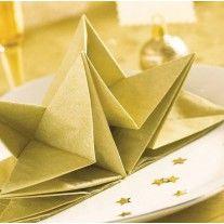 Serviette en papier voie seche Or Paper Napkin Folding, Paper Napkins, Table Origami, Christmas Tablescapes, Christmas Ideas, Theme Noel, Deco Table, Decoration Table, Crafty Craft