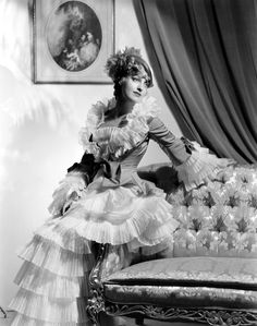 "Jeanette MacDonald as Sonia. ""The Merry Widow / La viuda alegre"" (1934)"
