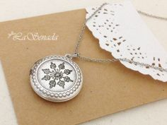 Locket snowflake necklace
