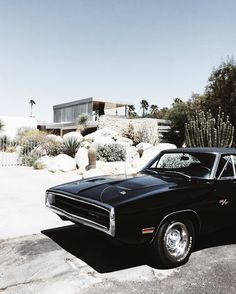 1970 Dodge Charger / Kaufmann / Neutra house Palm Springs. Via Mija