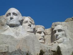 Mount Rushmore: The sculptures were made by Gutzon Borglum with the help of 400 workmen who used dynamites and jackhammers. It took 14 years to finish this amazing monument.