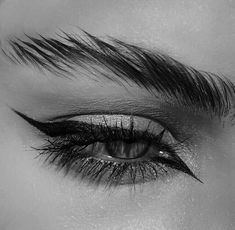 Find images and videos about beauty, black and white and makeup on We Heart It - the app to get lost in what you love. Makeup Eye Looks, Eye Makeup Art, Eye Art, Cute Makeup, Makeup Inspo, Makeup Inspiration, Beauty Makeup, Eyeliner Makeup, Makeup Style