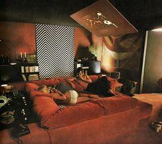 "hippie bedroom decor 555209460310904036 - Terence Conran's 1974 ""The House Book"" Source by anamoodboard 70s Bedroom, Bedroom Decor, Conversation Pit, Retro Interior Design, 1980s Interior, 70s Home Decor, 1970s Decor, Vintage Interiors, Modern Interiors"