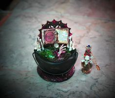 Dollhouse Miniature Witch or Wizard Cauldron von 19thDayMiniatures