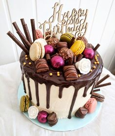 42 Ideas For Simple Birthday Cake Happy Birthday Cakes For Women, Birthday Cake For Women Simple, 14th Birthday Cakes, Happy Birthday Cake Images, Pretty Birthday Cakes, Homemade Birthday Cakes, 31st Birthday, Happy Birthday Wishes, Birthday Ideas
