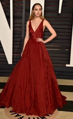 Suki Waterhouse from 2015 Oscars After-Party Looks (Plus Viewing Parties!) In Burberry. Red Carpet Fashion, Pink Fashion, Star Fashion, Vintage Fashion, Oscars, Oscar Dresses, Prom Dresses, Robes D'oscar, Buy Dress
