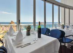 Escapada romántica a Tossa de Mar, Girona Relax, Table Decorations, Furniture, Home Decor, Romantic Getaways, Decoration Home, Room Decor, Home Furnishings, Home Interior Design