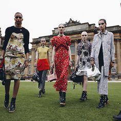 動画ディオール世界遺産のブレナム宮殿で半世紀以上ぶりにショー開催