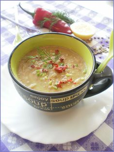 cream of lentils Clean Recipes, Moscow Mule Mugs, Lentils, Cheeseburger Chowder, Salsa, Bacon, Soup, Mexican, Cream
