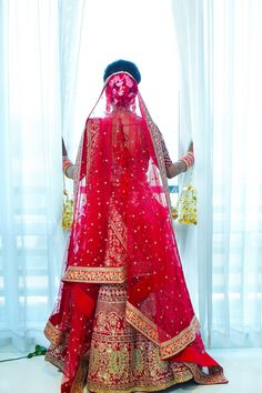 Sparkling Wedding for a Celebrity Fashionista and Pilot Indian Wedding Photography Poses, Bride Photography, Bridal Outfits, Bridal Dresses, Indian Dresses, Indian Outfits, Indian Bridal Photos, Dulhan Dress, Indian Wedding Bride