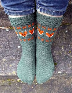 These socks are inspired by my favorite woodland creature, always shy and reclusive, the red fox is sometimes seen in the early morning or evening hours. His well-known grin is actually a sign of fear.