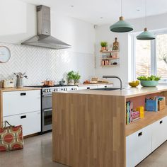 Modern kitchen pictures and photos for your next decorating project. Find inspiration from of beautiful living room images Metro Tiles Kitchen, Kitchen Splashback Tiles, Kitchen Units, New Kitchen, Vintage Kitchen, Kitchen Island, White Tile Kitchen, Modern Retro Kitchen, Awesome Kitchen
