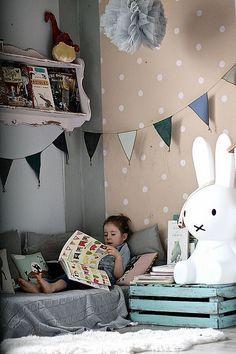 reading corner // ki