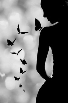 Black and White Photography - Butterflies and Girl - Silhouette Foto Art, Black And White Pictures, Beautiful Butterflies, Butterflies Flying, Belle Photo, Black And White Photography, Art Photography, Silouette Photography, Beautiful Pictures