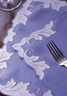 Love these Periwinkle Blue Linen Mats & Napkins from Leron. Hand appliqué leaves in white with embroidered veins. Made to order in Madeira. Cutwork Embroidery, Embroidery Patterns, Machine Embroidery, Pach Aplique, Hand Applique, Linens And Lace, Fine Linens, Applique Designs, Table Linens