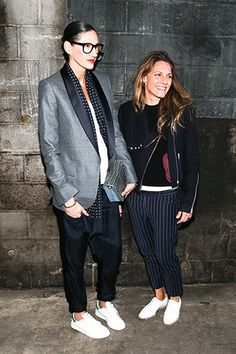 Fashion Tips For Women Jeans Jenna Lyons and Courtney Crangi. Isabella Blow, Parisienne Chic, Anna Dello Russo, Only Fashion, Star Fashion, Jenna Lyons, Stylish Couple, Mein Style, Black And White