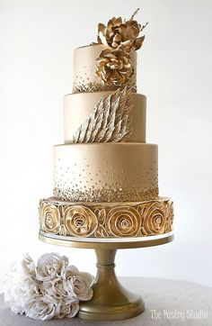 Featured Cake: The Pastry Studio; www.thepastrystudio.com; Wedding cakes ideas. #weddingcakes