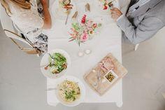 TAFELAANKLEDING - Bloemen van Loes - Bloemen van Loes Table Decorations, Dinner Table Decorations, Center Pieces