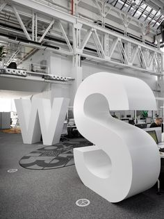 Inside Economia's Publishing Offices in Prague