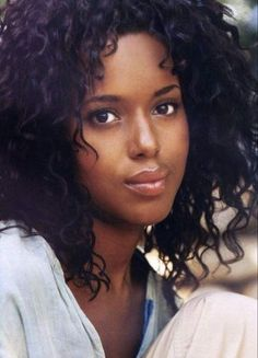 Kerry Washington with Curly Hair Curly Hair Styles, Natural Hair Styles, Brown Lip, Brown Eyes, Jessica Parker, Dark Skin Girls, Black Goddess, Dark Skin Beauty, Ebony Beauty