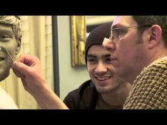 Sculpting Zayn Malik from One Direction at Madame Tussauds London. AHHHHHHHHHHHHH