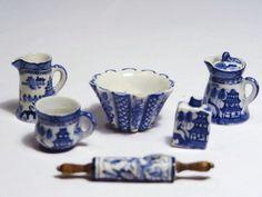 Deborah McKnigh, IGMA fellow - Blue Willow and Delft porcelain
