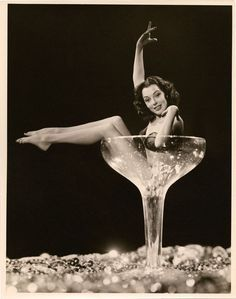 New Year Champagne Girl ~ Burlesque dancer portrait by Wallace Seawell. Cabaret, Champagne Images, Vintage Champagne, Divas, Pinup, Woman Wine, Showgirls, Vintage Hollywood, Pin Up Girls