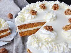 Raspberrybrunette: Mrkvová torta s orechami Cake Blog, Cheesecake Brownies, Carrot Cake, Vanilla Cake, Tea Time, Catering, Carrots, Food Photography, Bakery
