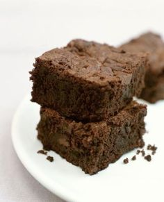 WHAT CAN YOU USE TO SUBSTITUTE EGGS IN BROWNIES?  non-fat yogurt, applesauce, banana, pumpkin