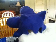 Sonic Costume : 8 Steps (with Pictures) - Instructables Sonic The Hedgehog Costume, Sonic Costume, Diy Halloween Costumes, Halloween 2020, Last Christmas, Backrest Pillow, Cool Kids, Kids Fun, Diy Crafts For Kids