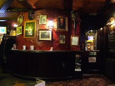 https://flic.kr/p/4pdCum   World's End 2   Inside the World's End pub on the Royal Mile