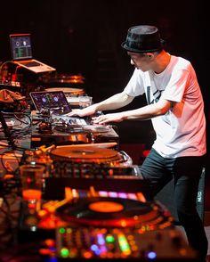 #Repost @hurricanehankphoto  DJ Kentaro killin it at DMC DJ World party at Yotaspace club in Moscow hosted by Mixmag & PromoDJ #dmcdjworld #urbanmadness #yotaspace #hiphop #DJ #vinyl #turntablism #turntable #music #Moscow #concert #Москва #концерт #диджей @music @mixmagmagazine @yotaspaceclub @promodj_live #djkentaro @djkentaro_official #technics1200 by djkentaro_official