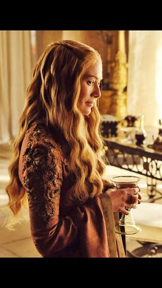Cersei Lannister; The best in GoT hair.