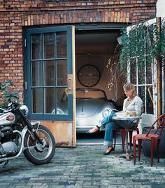 This is a picture of the perfect life right? Beautiful wife, Vintage Porsche, bike, and what looks like an amazing house.