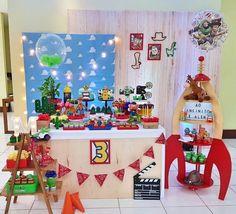 Baby Birthday Themes, Baby Boy 1st Birthday, Toy Story Birthday, Boy Birthday Parties, Bolo Toy Story, Toy Story Baby, Toy Story Theme, Cumple Toy Story, Festa Toy Story