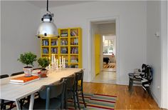 Grey+Scout Style: A yellow door? Yes!
