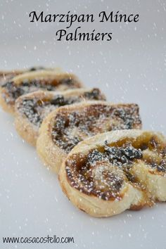 Super quick & easy Marzipan Mince Palmiers Light puff pastry Palmiers - Super quick alternative to traditional mince pies Xmas Food, Christmas Cooking, Christmas Recipes, Christmas Ideas, Easy Homemade Christmas Gifts, Vegan Christmas, Christmas Inspiration, Christmas 2019, Holiday Recipes