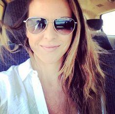 Mejor hablemos de lo lo bien que luce Kate del Castillo con gafas de sol.