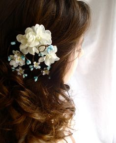 hair flowers!