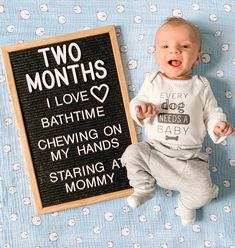 Use the letterboard for shoots/image from overhead/pattern background Two Month Old Baby, 3 Month Old Baby Pictures, Milestone Pictures, Monthly Baby Photos, Monthly Pictures, Newborn Baby Photos, Newborn Pictures, Baby Month By Month, Funny Baby Pictures