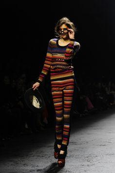Sonia Rykiel, Audrey Hepburn, Vogue Paris, Pull Court, Stripes Fashion, Knitwear, Hair Beauty, Couture, Knitting